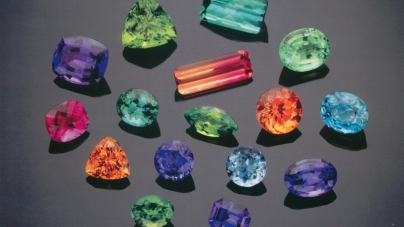 Gems, minerals and jewelry available at resort show