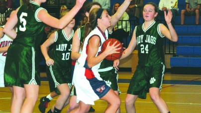 Lady Mallards pull out 36-32 win over Jags