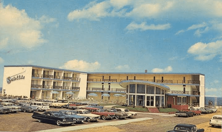 An Early 1960s Postcard Of The Satellite Motel Long Gone Since 20th Century Motor Hotels Have Lined Upper Blocks Ocean City