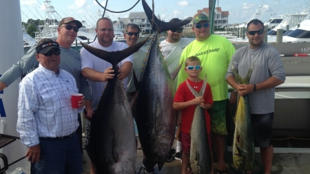 Big eye weighing 222.1 lbs. takes first place in tourney
