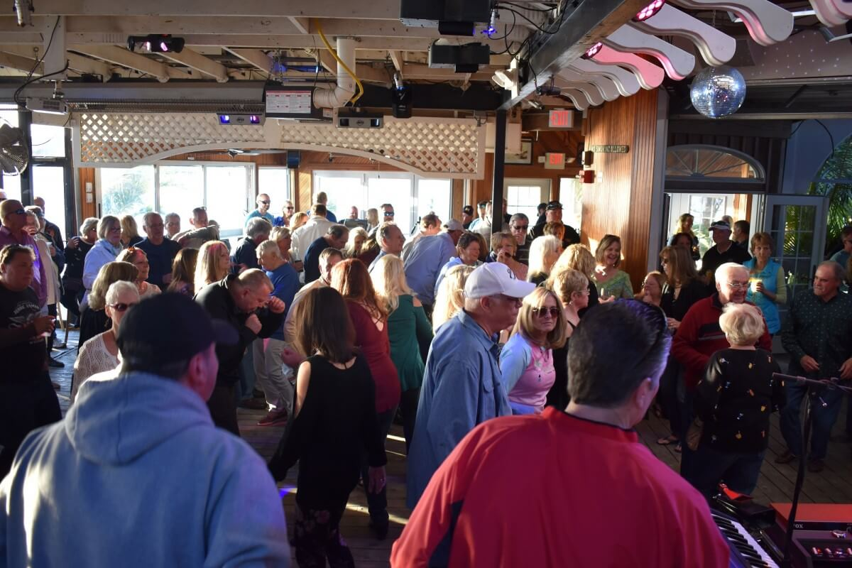 Fager's Island dancing