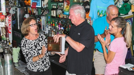 Local bartender retires after over four decades at the Greene Turtle