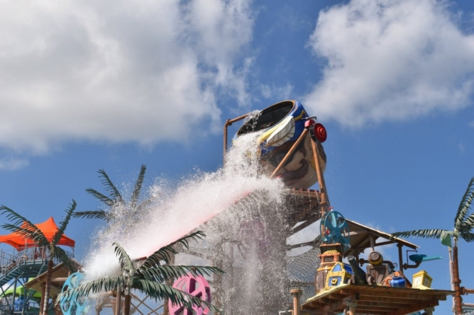 Splashin' Fun at Jolly Roger Splash Mountain (in Photos)